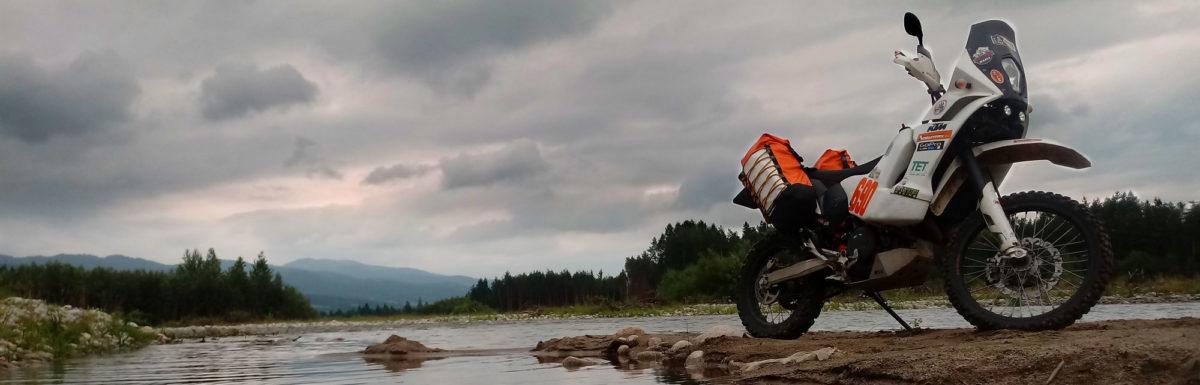 KTM-690-rally-panniers